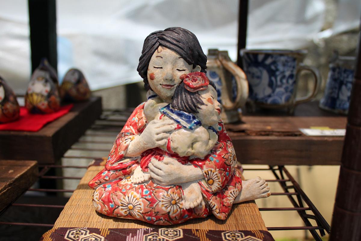 母と子の人形